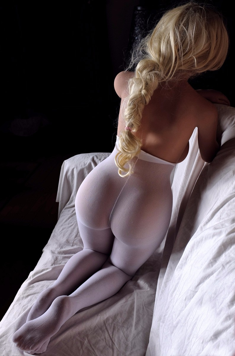 Sexy blonde doll of next door type banged 4